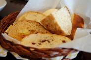 食べ放題のパン。パンチキチキのランチの特徴の1つです!