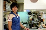 厨房の木村店長。ロハスカフェのランチなどはここで作られます。