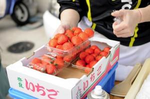 ロハスカフェさんの苺「あすかルビー」をつかったコラボレーション商品です。