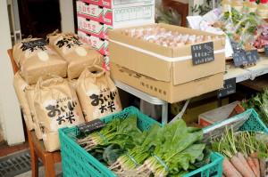 ほうれん草やお米や卵。全て奈良県産の産地直送です。