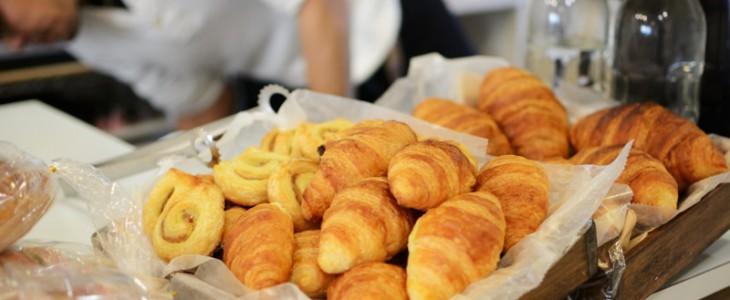 ロハスカフェ店内のパン